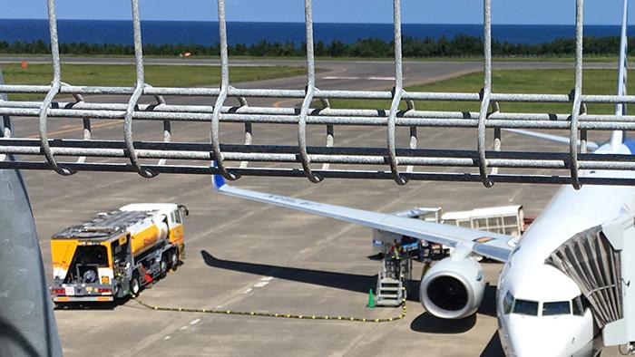 飛行機給油